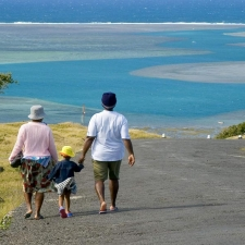 028_rodriguan_family_strolling_home_above_port_sud_est