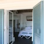 02_bakwa_lodge_lagoon_suite_view_from_door_perspective