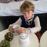 03_bakwa_lodge_mateo_enjoy_his_tea