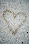 07_heart_form_in_sand_bakwa_lodge